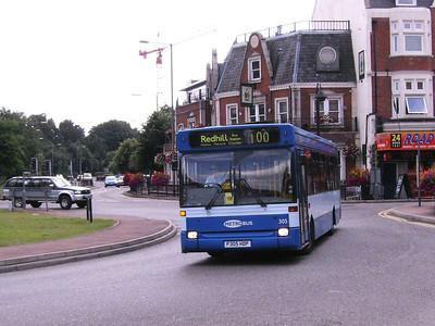 Metrobus 305 (P305HDP), Redhill, 11th August 2007