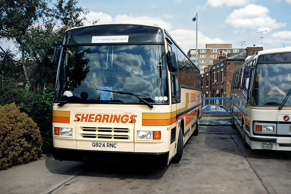 824 G824RNC, Chester 31/7/1990