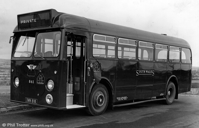 841 (XWN 818), a 1961 AEC Reliance/Park Royal B45F.