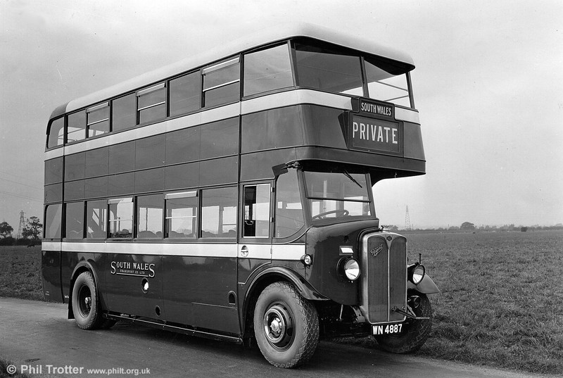 1932 AEC Regent/Brush L25/26R 287 (WN 4887) which was renumbered 321 in 1939 and eventually withdrawn in 1945-46.