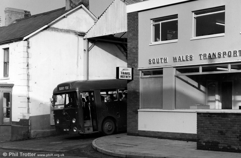 807 (OBX 780) a 1957 Leyland Tiger Cub/Weymann B44F leaves Ammanford Bus Station. This vehicle was obtained with the business of James, Ammanford in 1962.