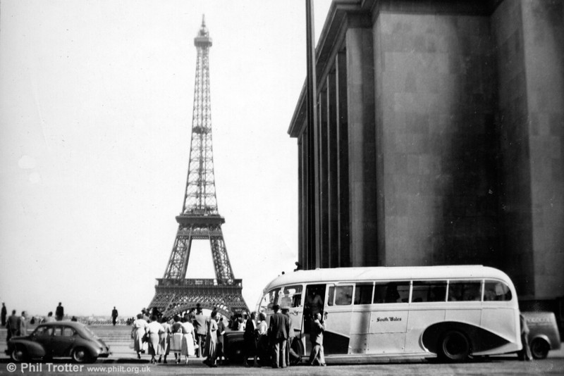 One of the three full-fronted AEC Regal IIIs seen (obviously!) on tour in Paris.
