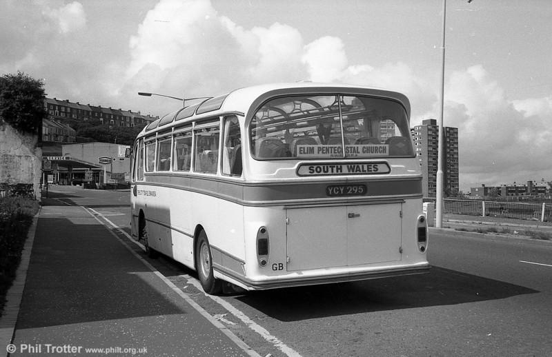 1045 (YCY 295) an AEC Reliance/Harrington Cavalier C37F with The City Temple.