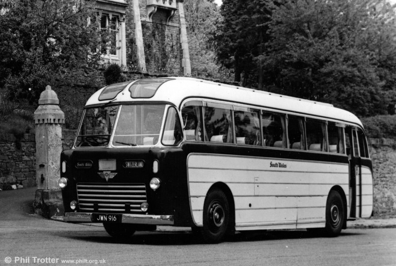 1023 (JWN 916), an AEC Regal IV with Windover Kingsway C35R bodywork delivered in 1954.