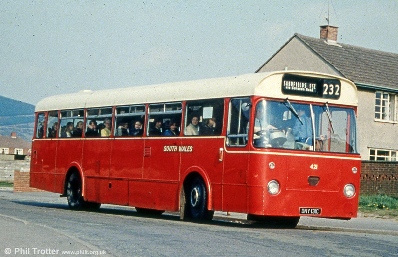 421 (DNY 131C) an AEC Reliance/Weymann DP49F, formerly with Thomas Bros.