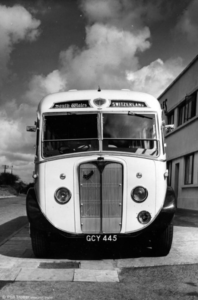 A front view of 1018 (GCY 445) a 1950 AEC Regal III with Windover FC28F. Seating capacity was increased to 33 in 1958.