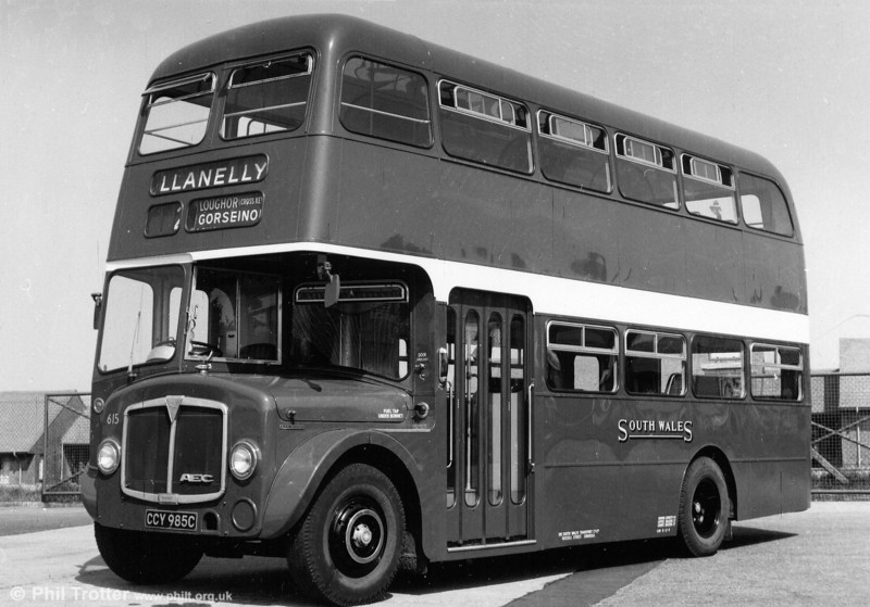 1965 AEC Regent V/Willowbrook H37/27F 615 (CCY 985C) in its experimental cherry red and white livery, as applied in 1968.