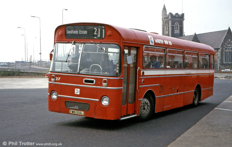 217 (YWN 556J) was an AEC Reliance/Willowbrook B45F originally ordered by Thomas Bros. but delivered after the merger.