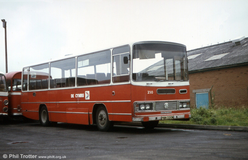 220 (PWN 220M) another of the 1973 Bedford YRQ/Willowbrook DP45F.