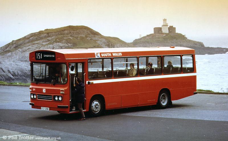 1981 Bedford YMQ/Duple B43F 291 (FCY 291W) posed at Mumbles.