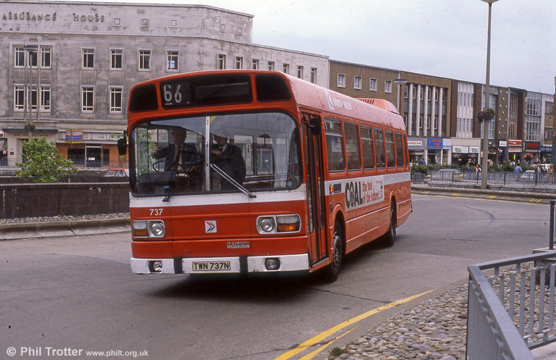 Leyland National B52F 737 (TWN 737N) at Kingsway Roundabout, Swansea.