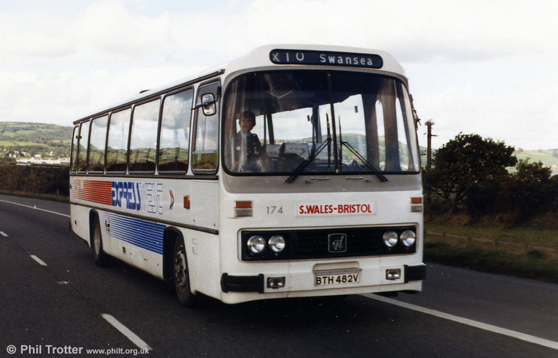 Another view of Leyland Leopard/Willowbrook C51F 174 (BTH 482V) during the opening ceremony for the Bridgend section of the M4.