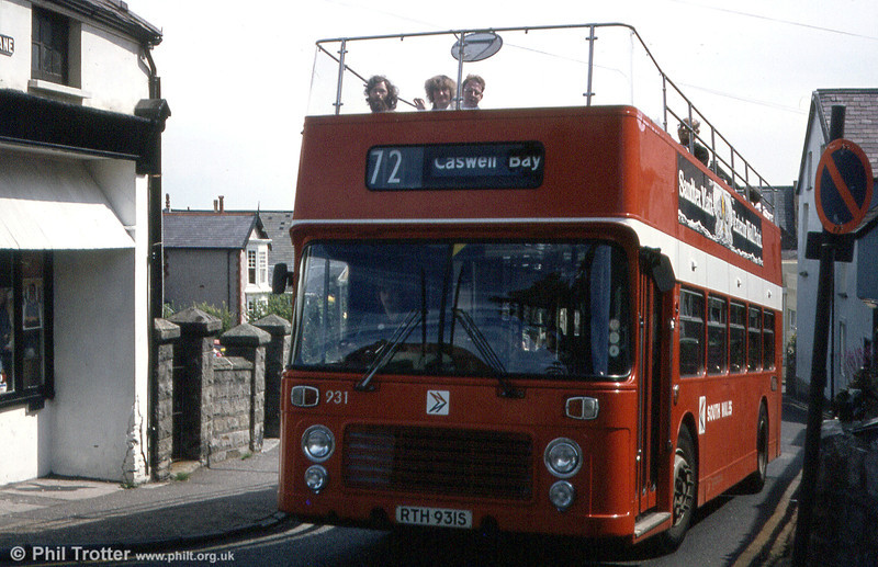 Bristol VRT SL3/ECW CO43/31F 931 (RTH 931S) at Dunns Lane, Oystermouth.