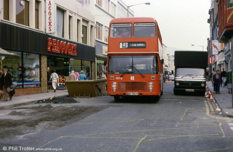 Bristol VRT SL3/ECW H43/31F 987 (ECY 987V).