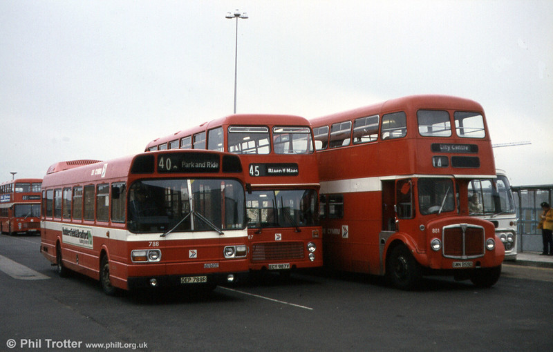 Leyland National B52F 788 (OEP 788R) with Bristol VRT 987 and AEC Regent V 881.