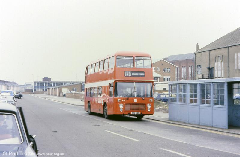 Bristol VRT SL3/ECW H43/31F 914 (OCY 914R) at Llanelli.