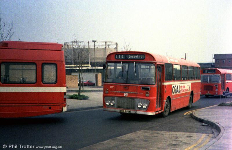 Ford R1014/Willowbrook B45F 259 (TCY 259M).