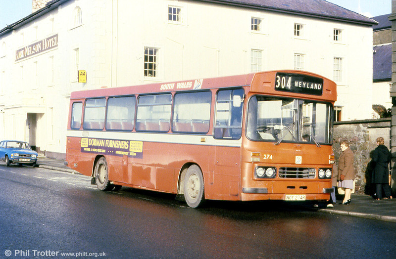 Ford R1014/Duple B43F 274 (NCY 274R) at Milford Haven.