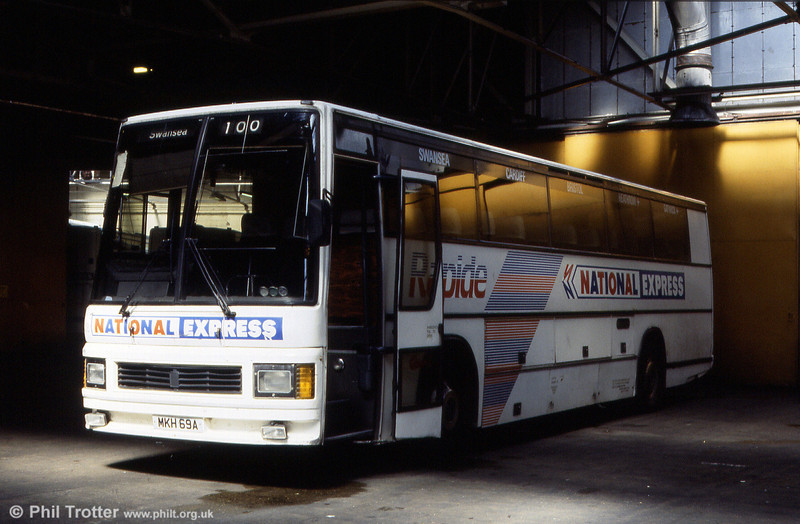 South Wales 128 (B128 CTH), a 1985 Leyland Tiger/Duple Caribbean 2 C48FT seen at Ravenhill.