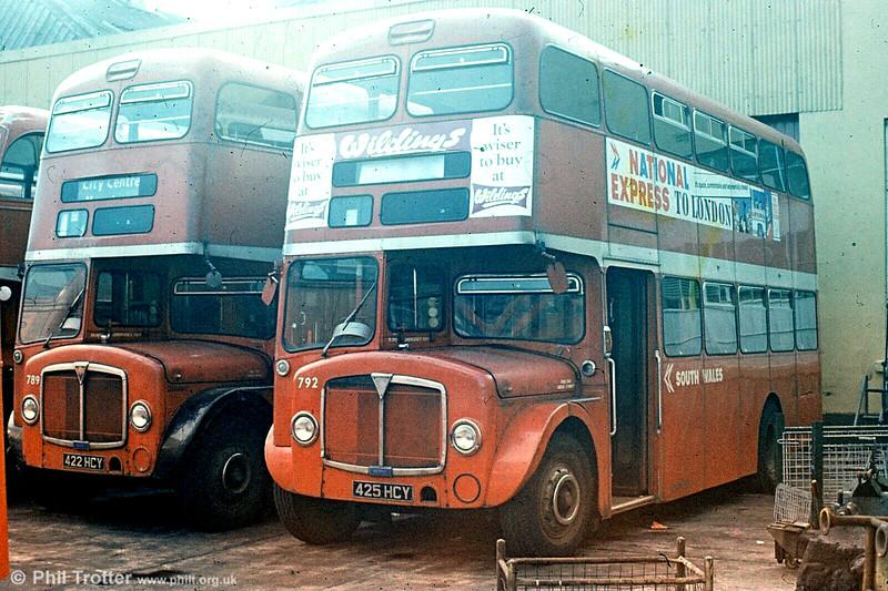 789 and 792 (422, 425 HCY) 589 (422 HCY) 1964 AEC Regent V/Weymann H39/32F at Ravenhill.