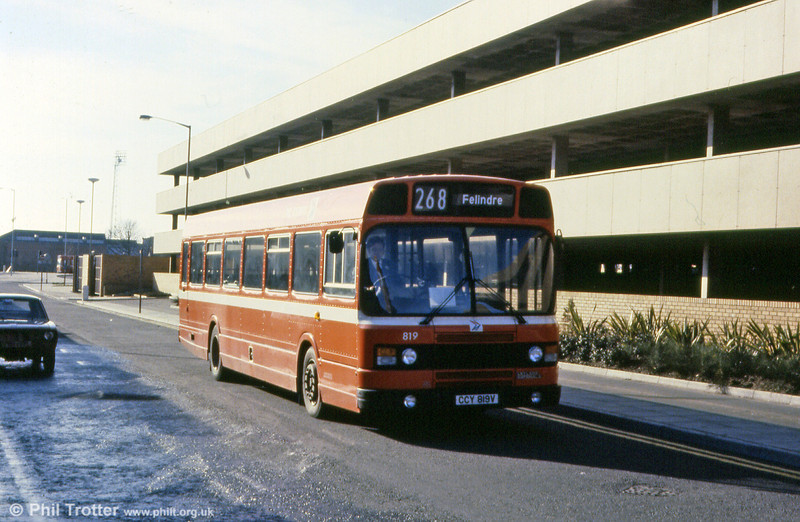 Leyland National 2 B52F 819 (CCY 819V).