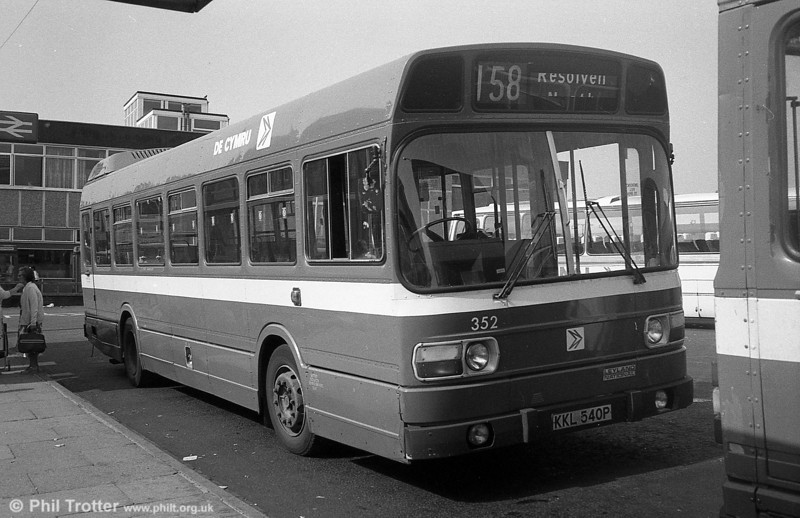 352 (KKL 540P), a Leyland National/B41F acquired from Maistone & District in 1982, seen at Neath.