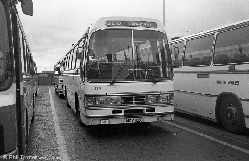 Leyland Leopard PSU5E/Duple C53F 115 (MCY 115X) at Swansea.