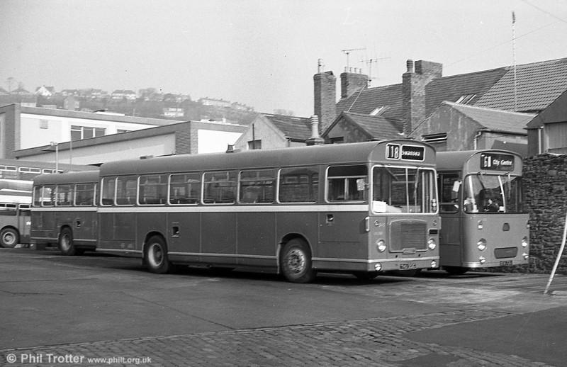 Former Bristol 505 (THU 351G), a Bristol RESL6L /ECW B43F at Brunswick St.