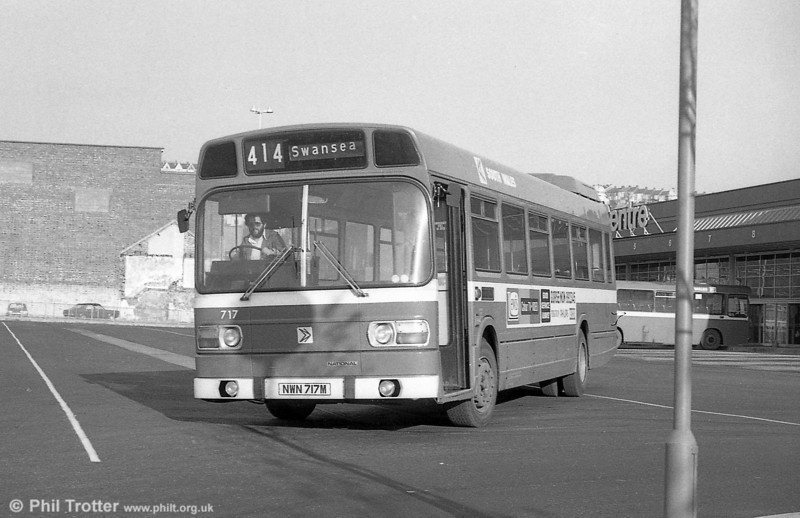 717 (NWN 717M), a Leyland National B52F at Swansea.