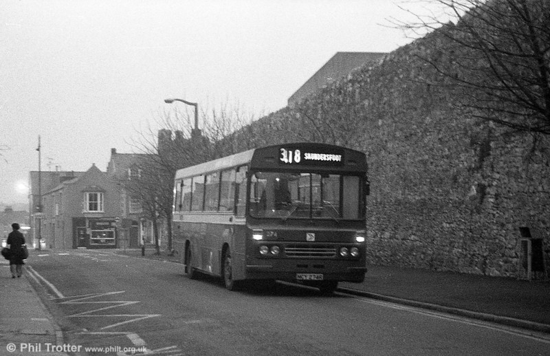 Ford R1014/Duple B43F 274 (NCY 274R) at Tenby.