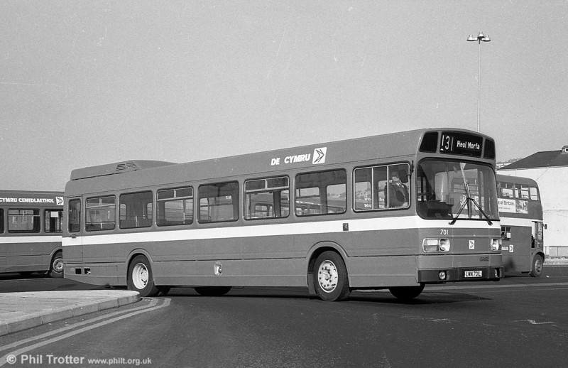 Seen immediately after a repaint is 701 (LWN 701L), a Leyland National B52F.