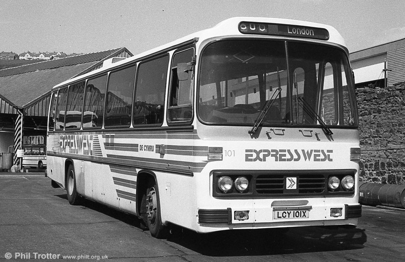 101 (LCY 101X), a 1981 Leyland Leopard/Willowbrook 003 C49F in the later version of ExpressWest livery at Swansea.