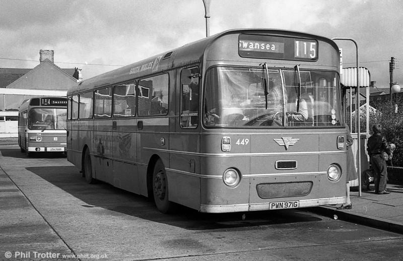 449 (PWN 971G) was a 1969 AEC Reliance 6MU2R with a Marshall B52F body.