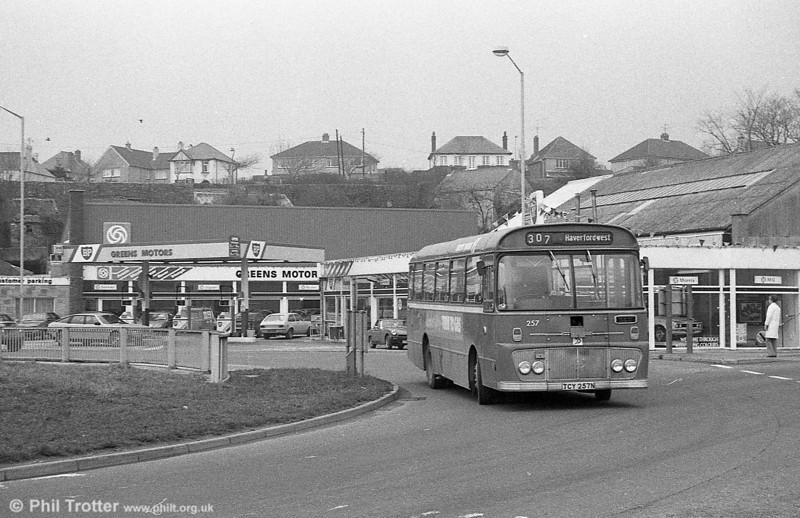 Ford R1014/Willowbrook B45F 257 (TCY 257N) at Haverfordwest.