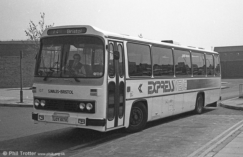 107 (LCY 107X), a 1981 Leyland Leopard/Willowbrook 003 C49F at Swansea.