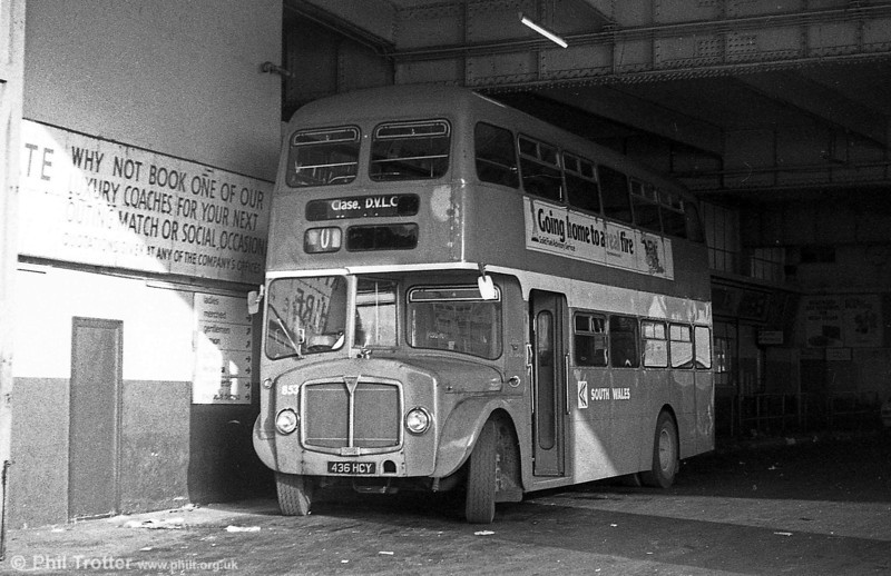 AEC Regent V/Willowbrook H39/32F 853 (436 HCY) at Singleton Street.