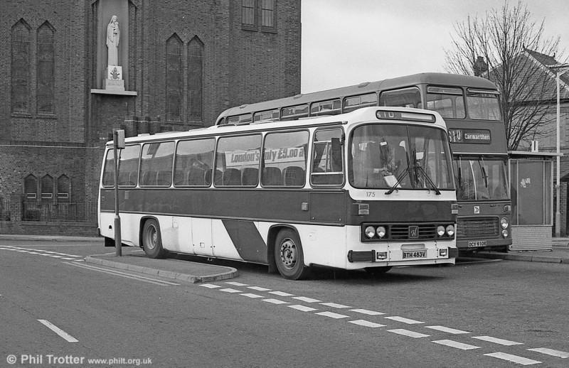 175 (BTH 483V), a Leyland Leopard/Willowbrook DP51F at Llanelli.
