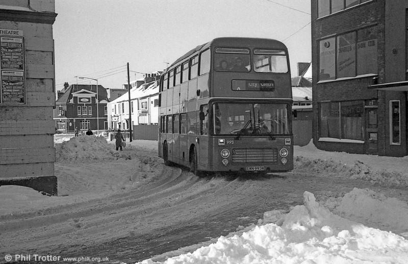 Bristol VRT 993 (EWN 993W) with ECW H43/31F in the snow at Swansea.