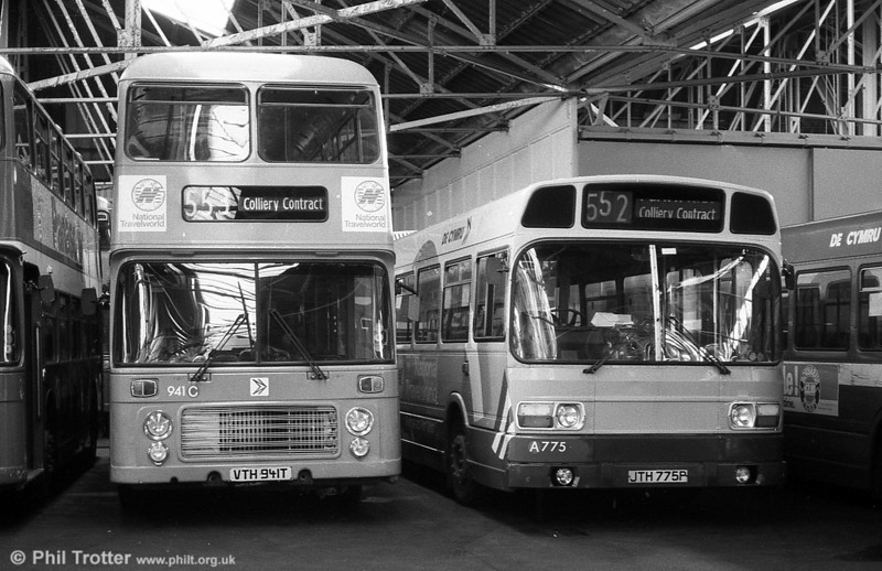 Bristol VRT SL3/ECW H43/31F 941 (VTH 941T) in an advertising livery for National Travelworld.