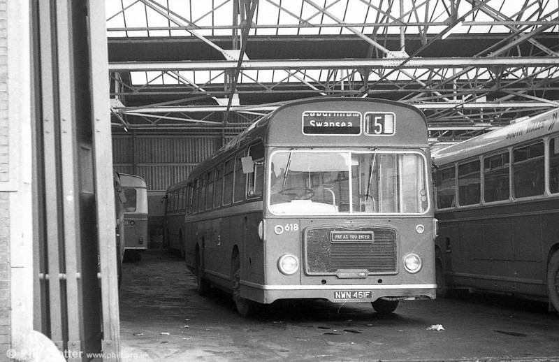 Bristol RELL6G/ECW B53F 618 (NWN 461F) at Clarence Terrace.