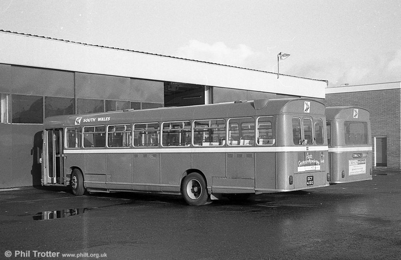 Bristol RELL6G/ECW B53F 648 (DCY 410K) at Haverfordwest.