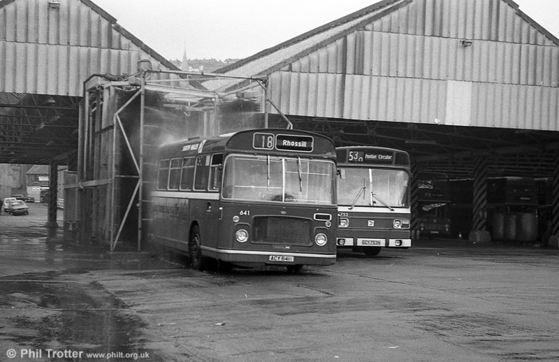Bristol RELL6G/ECW B53F 641 (ACY 641K) gets a wash and brush up at Brunswick St.