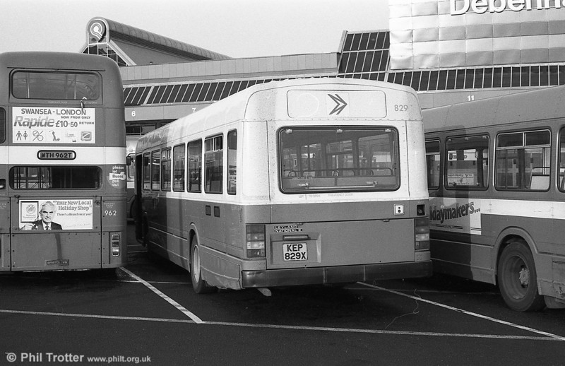 Leyland National 2/B52F 829 (KEP 829X) in DP livery at Swansea.