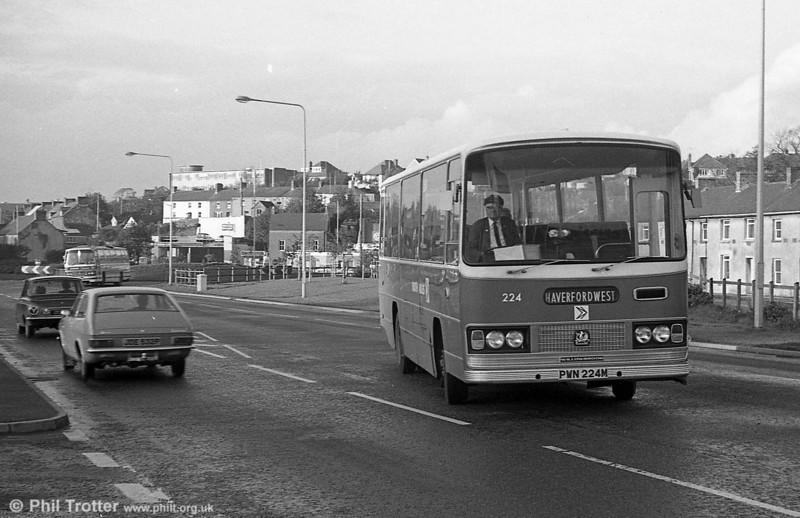 Bedford YRQ/Willowbrook DP45F 224 (PWN 224M) at  Haverfordwest.