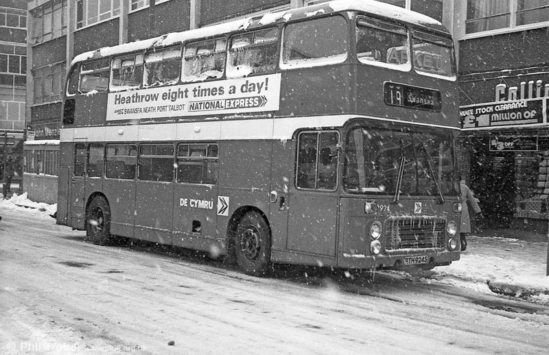 Bristol VRT SL3/ECW H43/31F 924 (RTH 924S) in the snow at Swansea.