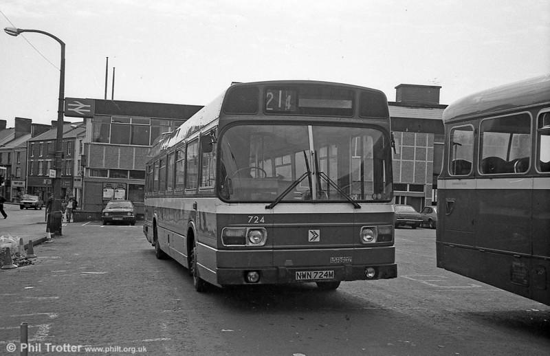 Leyland National/B52F 724 (NWN 724M) at Neath.
