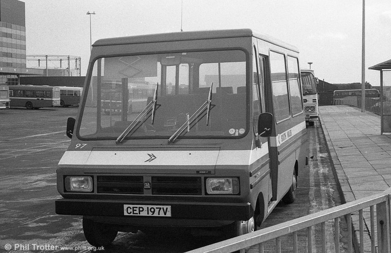 Bedford CF/Reebur DP17F 97 (CEP 197V)