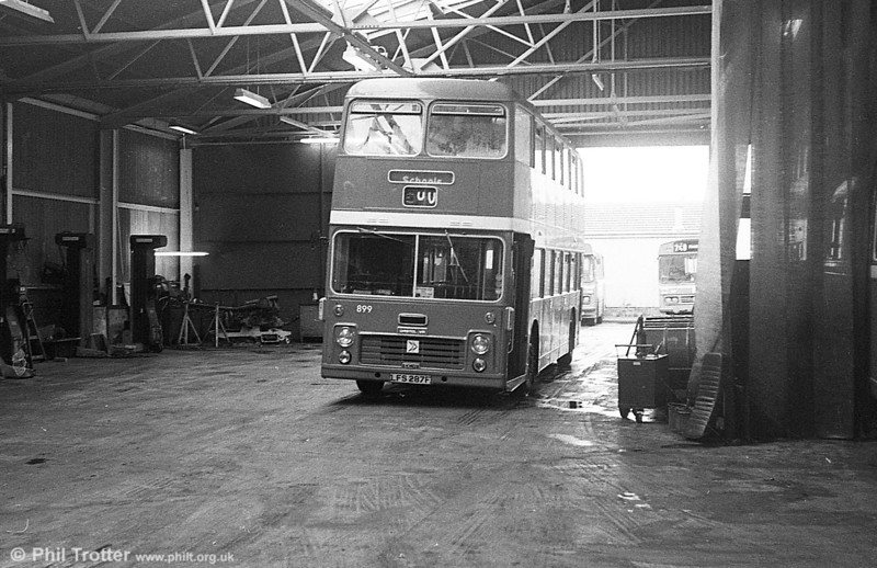 899 (LFS 287F), a Bristol VRTLL6G/ECW H42/28F originally with Eastern Scottish and more recently 3042 in the Eastern National fleet.