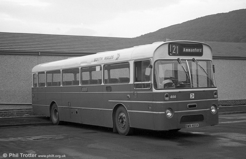 Still in service at Pontardawe at the end of May 1982 was 466 (BWN 466K) an AEC Reliance/Marshall DP49F which was the last of its type and the last bus-bodied AEC Reliance in the fleet.