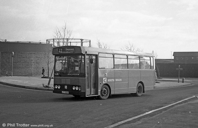 302 (LCY 302X), a Bedford YMQ/S with Lex B37F.